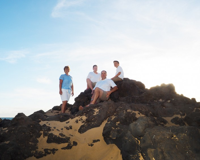 family portrait photography at maui beach