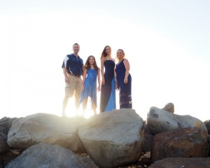 maui family portrait photography at breakwall