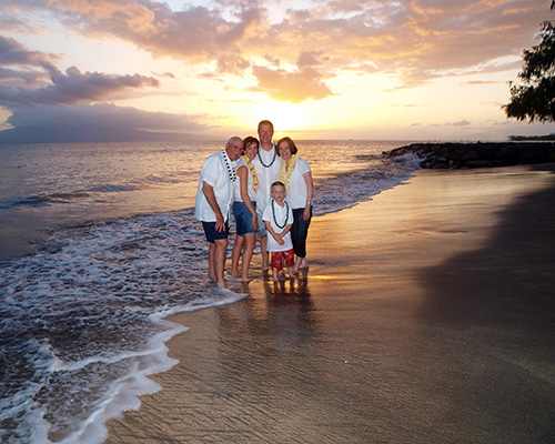 Maui family photography, Family of 5 portrait on beach at sunset