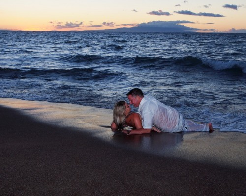 maui couple on beach