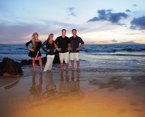 family pictures on maui beach