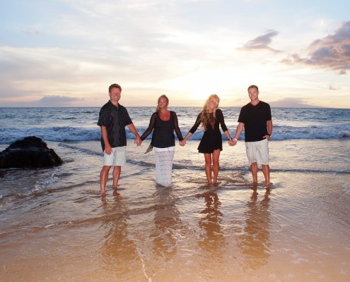 family portraits on maui beach