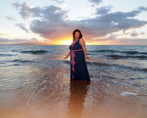 maui portrait photography on the beach at sunset
