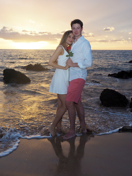A romantic photo shoot on a Maui beach
