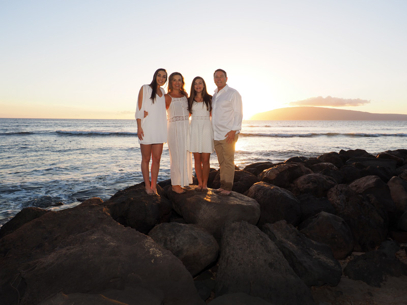 Maui family portraits at Launiupoko Beach Park