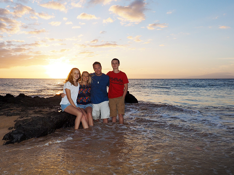 family beach portraits on Maui